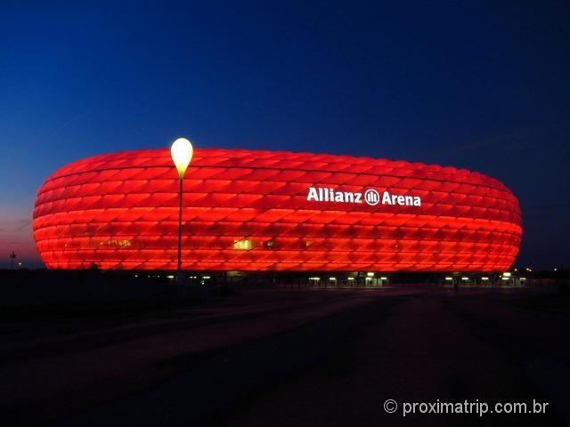 Munique - visita ao Allianz Arena à noite