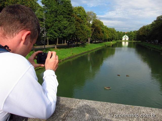 Canal perto do castelo Nymphenburg - Munique