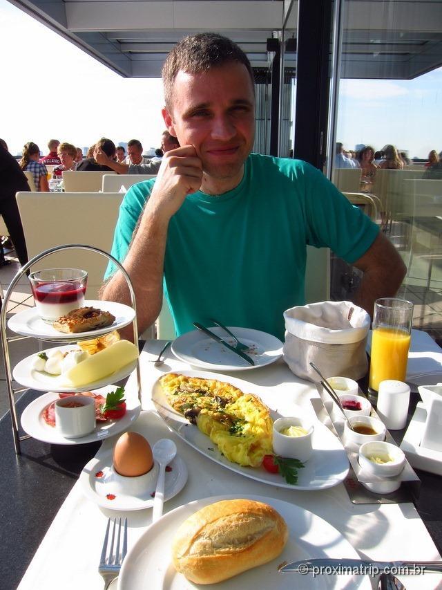 Café da manhã na Käfer - ReichstagBerlim
