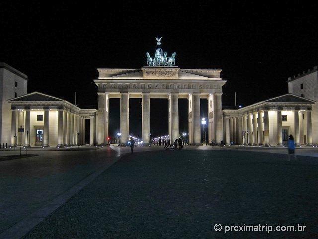 Portão de Brandemburgo (Brandenburger Tor) a noite