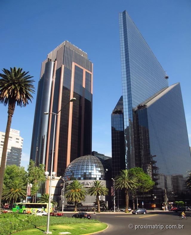 avenida paseo de la reforma prédios futuristas Bolsa de Valores México