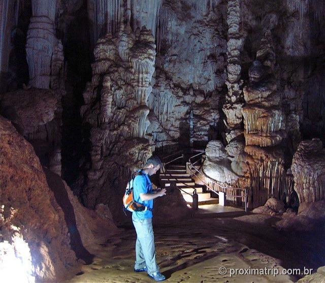Caverna do diabo - intra estrutura, iluminação e passarelas