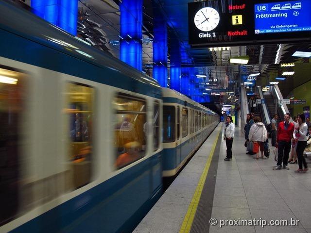 Metro de Munique, destino: Allianz Arena, estação Fröttmaning
