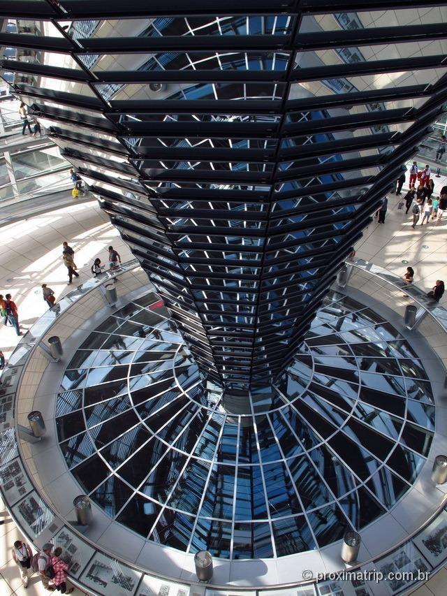 Reichstag: Cúpula vidro Norman Foster vista de dentro