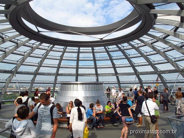 Topo da cúpula de vidro do Reichstag - Parlamento Alemão, Berlim