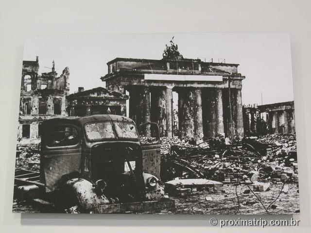Portão de Brandemburgo (Brandenburger Tor) após a Segunda Guerra Mundial