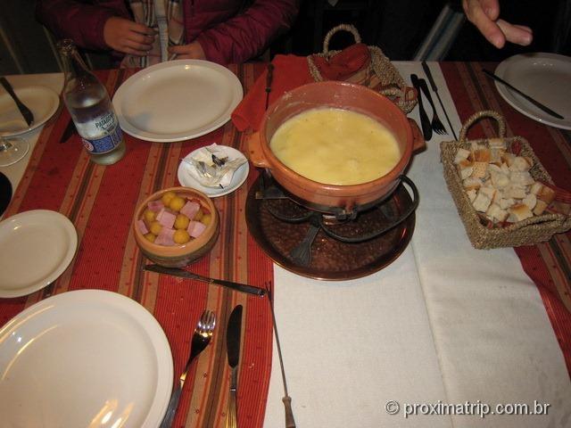 Onde comer em bariloche Foundue Casita Suiza