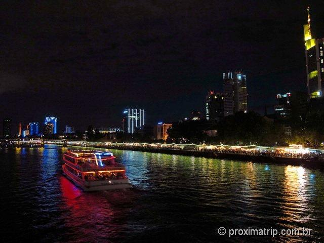MuseumsuferFest noite ponte Eiserner Steg Frankfurt