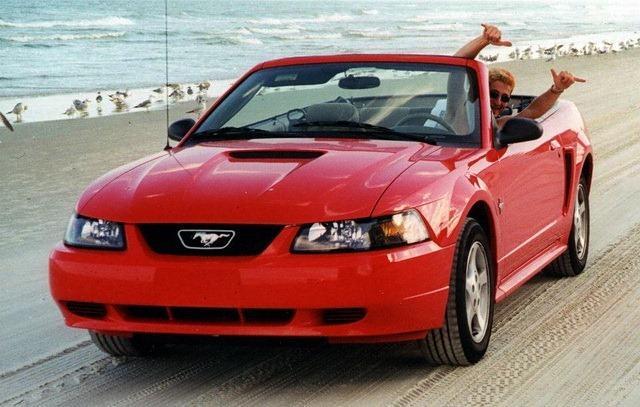 Ferrari-locadora-miles-car-rental