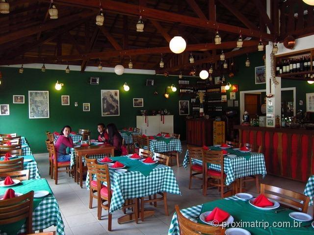 Cantina Portale di Napoli por dentro - Monte Verde
