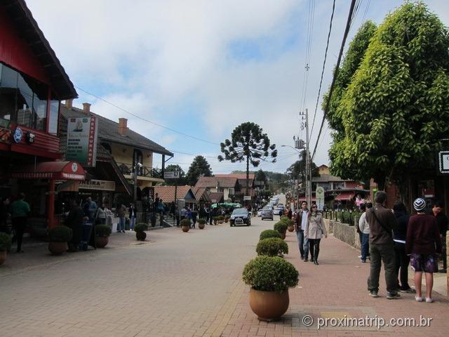 Rua principal cidade Monte Verde
