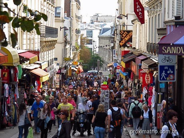 """Rua """"25 de março acesso Basílica de Sacré Coeur"""