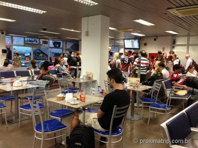 Terminal de embarque no Aeroporto de Navegantes (SC)