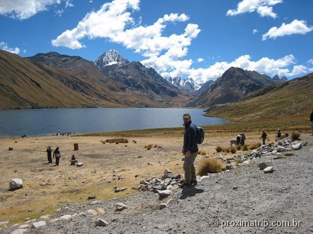 Laguna Querococha - parada do Tour às Ruínas de Chavin de Huantar (Série Peru Desconhecido)