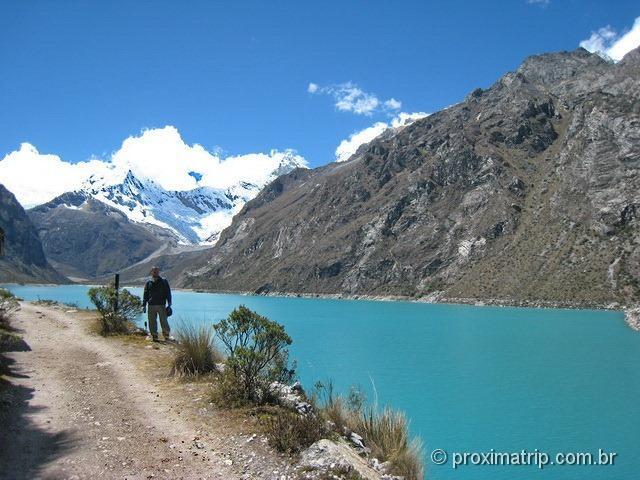 A Laguna Paron - cor azul turquesa - na cordilheir Blanca - Huaraz - Peru