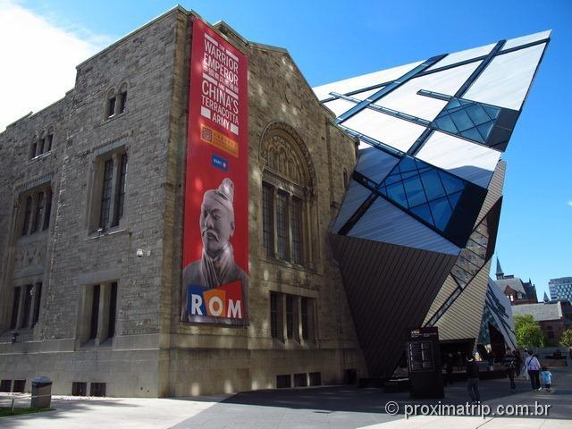 fachada ROM Royal Ontario Museum Toronto