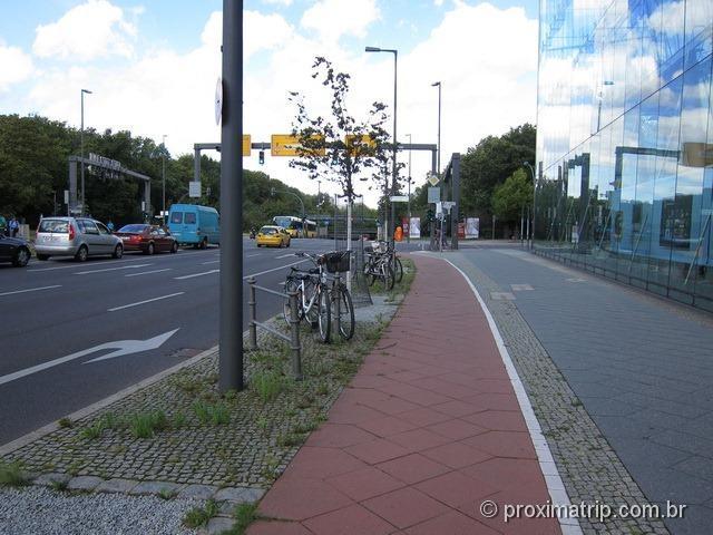 Ciclovias em Berlim - Quando São Paulo vai ser assim?!