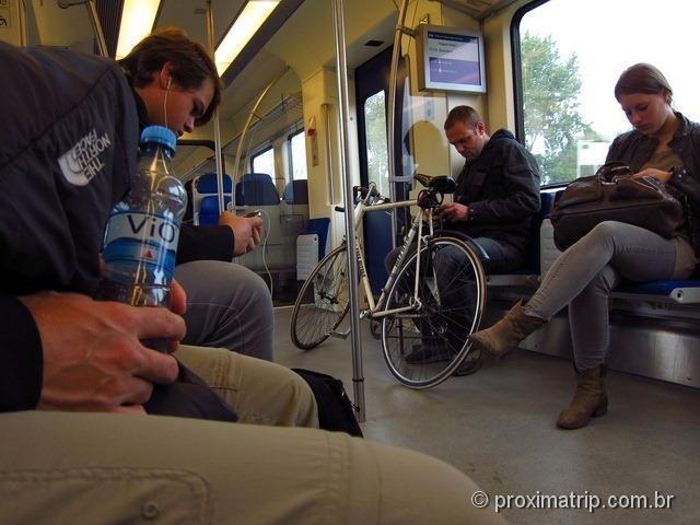 Trem até os moinhos Zaanse Schans - Amsterdam