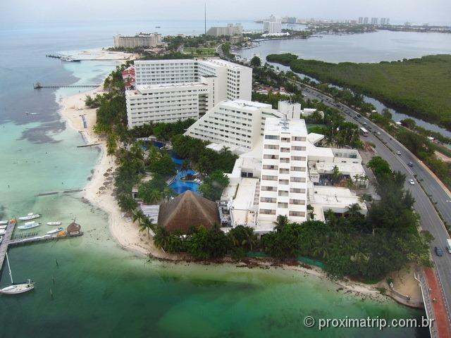 Cancun vista do alto da torre giratória