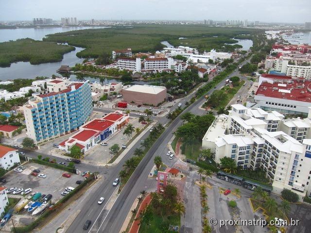 Mirante giratório em Cancun: vista do alto da Torre