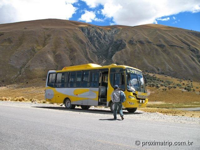 ônibus do Tour às Ruínas de Chavin de Huantar (Série Peru Desconhecido)
