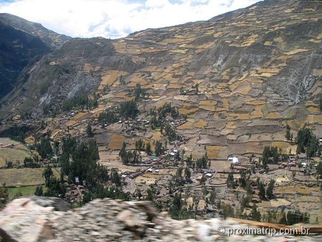 Agricultura na cordilheira blanca, viata no Tour às Ruínas de Chavin de Huantar (Série Peru Desconhecido)