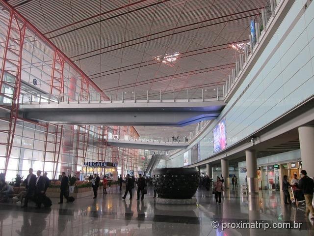 Aeroporto Internacional de Pequim (PEK) - muito grande!!