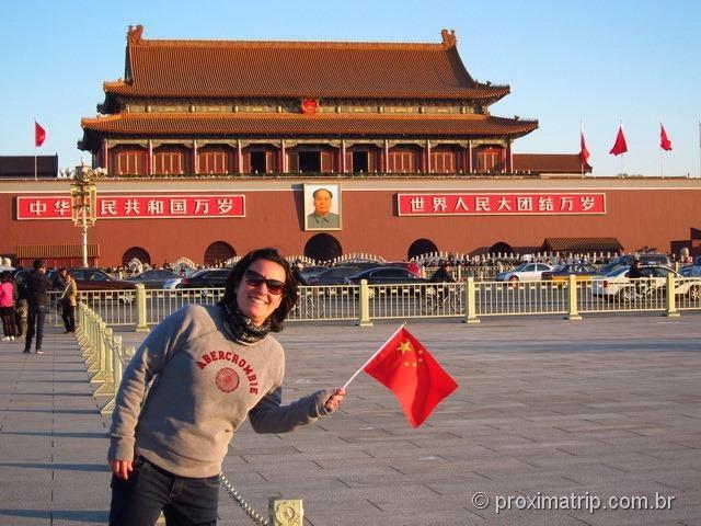 Pausa para foto com o Mao Tsé Tung (!) na Praça da paz Celestial - Pequim