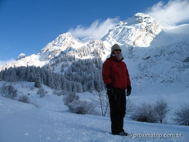 A maravilhosa paisagem alpina do Massif de Balme e Lac des Confins - La Clusaz
