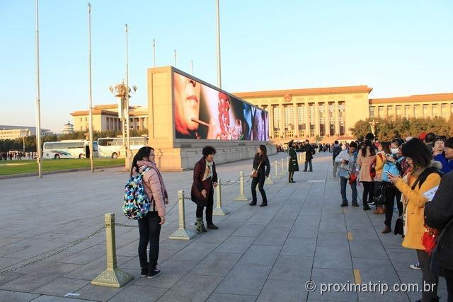 Moderno Painel LCD na Praça da Paz Celestial (Tian'an Men) - Pequim - China