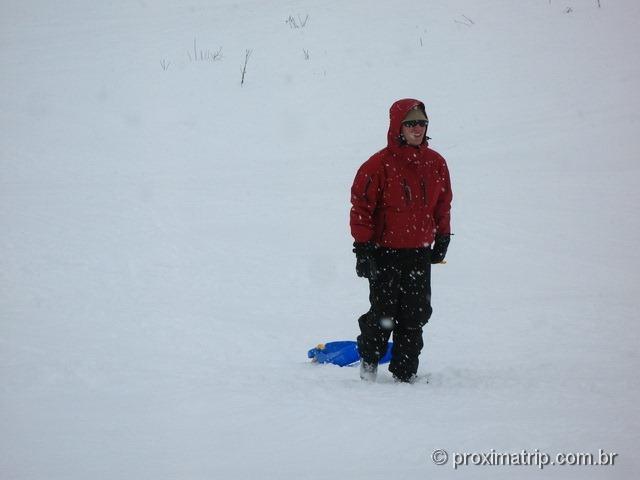 Depois de descer de trenozinho na neve, tem que subir a pé!! Massif de Manigod - La Clusaz