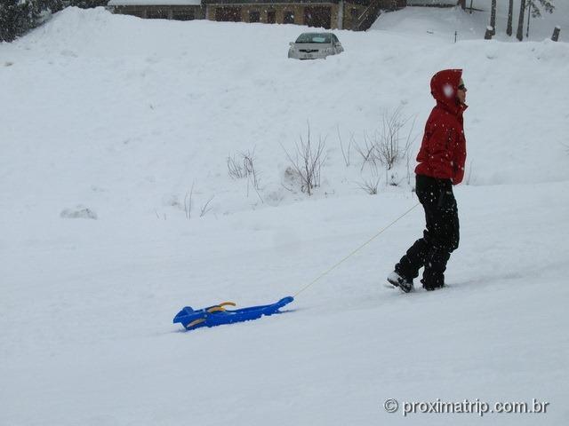 Brincando de trenozinho / ski bunda no Massif de Manigod - La Clusaz