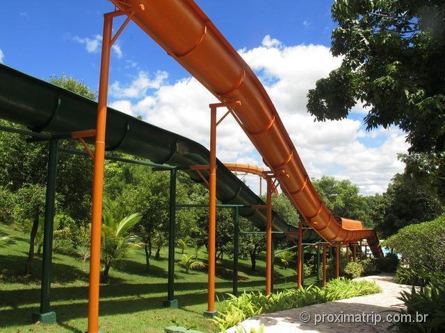 toboágua laranja super longo!! Parque aquático Thermas Water Park - Águas de São Pedro