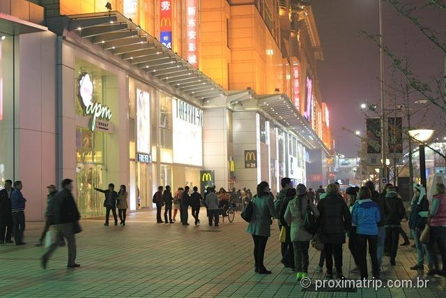 Mc Donalds em Pequim - rua Wangfujing