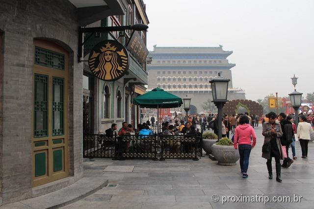 Starbucks na rua Qian Men, em Pequim - China
