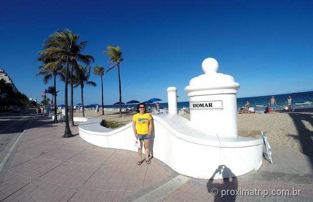 A praia em frente do Hotel Hilton Fort Lauderdale