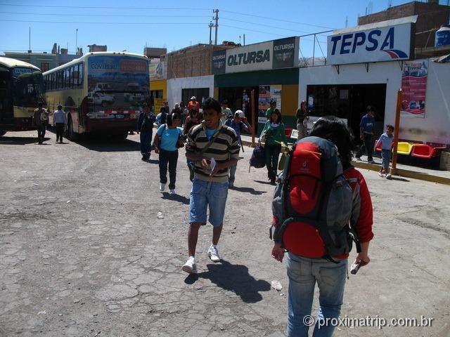 terminal de ônibus, em Nazca