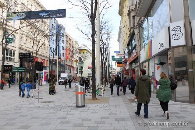 foto: Loja de telefonia celular da Drei em Viena, na Mariahilfer strasse