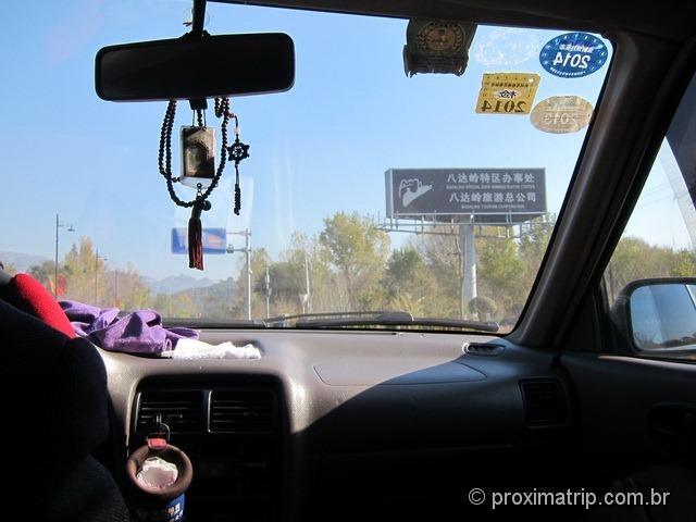 2o. taxi salvador da patria! esse nos levou até a Muralha da China, em Badaling