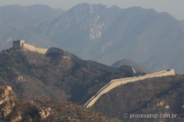 A Muralha da China as vezes se parece com serpente...
