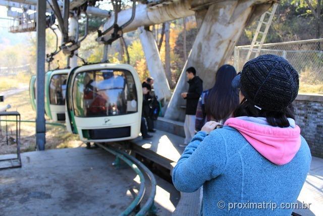 Teleférico que leva até o topo da Muralha da China, em Badaling