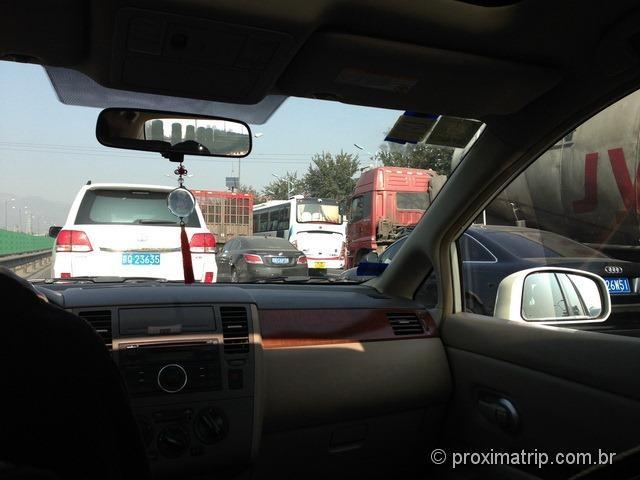 1o. taxi que pegamos em Pequim, para nos levar até a Muralha da China...