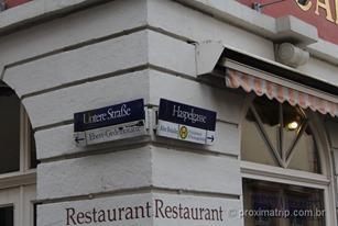 Rua dos restaurantes em Heidelberg