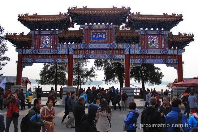 Gate of Dispelling Clouds no Palácio de Verão