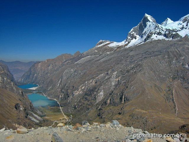 vista das montanhas da Cordillera Blanca e Lagunas Llanganuco vistas do mirante de Portachuelo