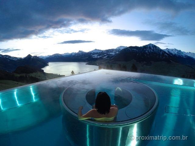 A incrível piscina do hotel Villa Honegg