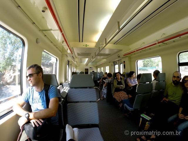 Interior do trem regional de Madri (estação Atocha) até Ávila