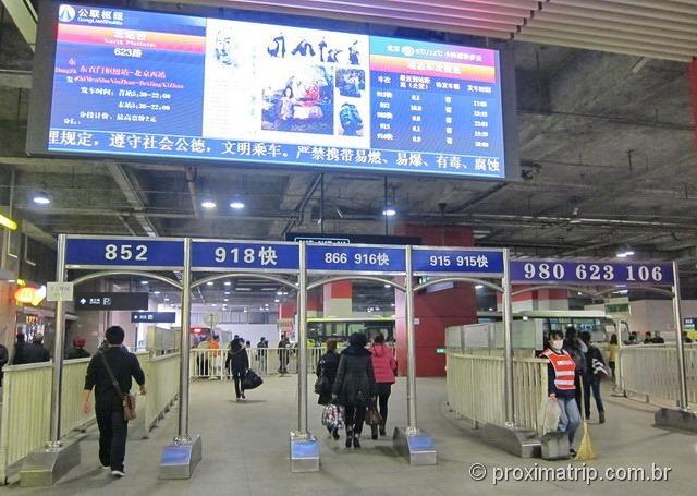 Ônibus 916 de Pequim até Huairou - Muralha da China em Mutianyu