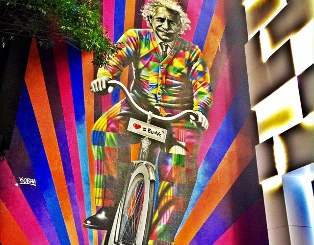 Sao-Paulo-Jardins-Einstein-de-bicicleta