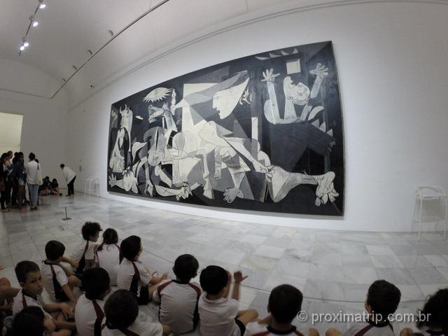 Passeio imperdível em Madri: ver o quadro Guernica, de Picasso!